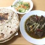 HALLAL FOOD MARHABA - マトンドピアザ(ロティ)