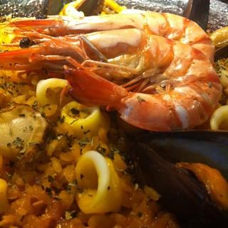 オーナー夫婦の独創性的な料理に美味しいスペイン料理