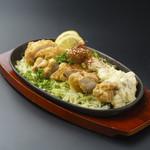 福味鶏の南蛮揚げ アツアツ鉄板で