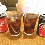一軒め酒場 - コーラです 純正品です ¥150です!