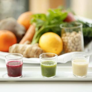 自然と調和し、バランスを整える究極のコース料理をご堪能あれ。