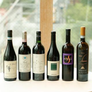 ナチュラルな作り手のワインをお楽しみ頂いています。