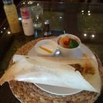 ラサマンダ - 料理写真:ドーサとサラダとヨーグルト