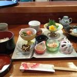 味のおもてなし 浜 - お得なランチ・日替わり御膳1200円