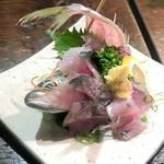 江戸や鮨八 - 釣りアジ¥880
