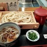 うちたて家 - 肉汁うどん(普通)830円・全景