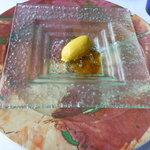 レストラン オルフェ - とうもろこしのムースとジュレが美味しいアミューズ。
