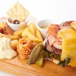 土日限定! とろけるチーズの極みハンバーガーセットランチ