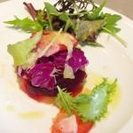 ダイニングソシアル - 神戸の野菜を中心に使ったサラダ