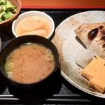 めしの助 - ぶりかま塩焼き定食