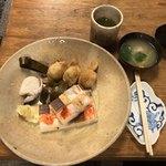 83664627 - Bセット(鯖、いなり、デラックス箱寿司)、ぐじすまし汁