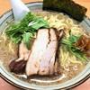 春紀 - 料理写真:塩らーめん(750円)+大盛り(100円)