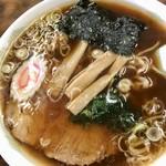 正華飯店 - 醤油ラーメン600円