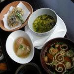8367085 - 天麩羅、茶碗蒸し、煮物、味噌汁