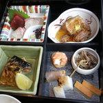 8367086 - お刺身、煮物、焼物、前菜