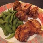 ウイング - 宴会の大皿料理(唐揚げ、枝豆)