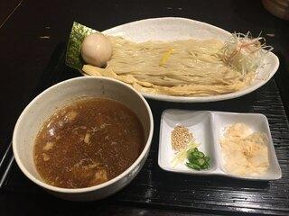 龍のひげ - 味玉つくば茜鶏つけ麺(930円)
