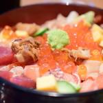 目黒魚金 - 海鮮バラちらし御膳@1,580円+税