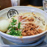 らーめん 泉鶏白湯 鶏神 - 温玉のせ汁なし鶏担々麺