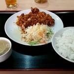 味香春 - ⑤油淋鶏定食680円!