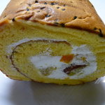 ケーキハウスショウタニ  - ☆ほっこりする味わいのロールケーキですね(*^。^*)☆