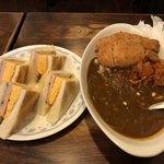 喫茶チロル - ささみチーズカツカレー、ハム玉子トースト