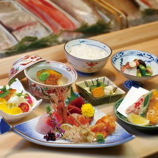 完全個室でご宴席にあわせたお料理、ご相談に応じます。