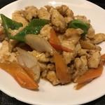本格中華食べ放題 天香府 - 鳥肉の黒胡椒炒め
