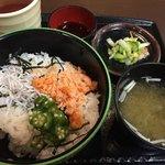海鮮館どんどん亭 - 三色丼  500円