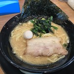 横浜家系ラーメン 門真商店 - 料理写真:ラーメン(醤油)