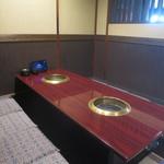 焼肉専門店 義城苑 - 8名様までご利用可能なテーブル席