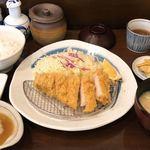 83709359 - 白金豚ロースかつ定食150g