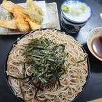一休 - ざるそば(500円・税込)