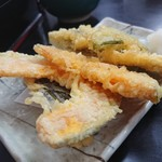 一休 - 野菜天盛り合わせ(350円)
