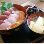 どんぶり亭 まつもと - H30.3 三色丼定食
