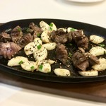 まだん - 砂肝と大蒜の鉄板焼き