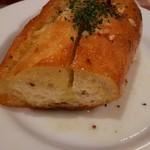 パパス ママス - ガーリックトースト