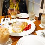 サラベス - バターミルクパンケーキ。