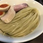 らぁ麺 紫陽花 - 鶏油煮干しつけ麺、大盛