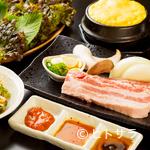 美豚 - 韓国出身の料理人が作る、本場の味を再現したメニュー
