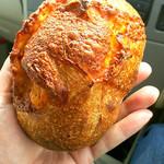 ハッチベーカリー - 料理写真:チーズフォカッチャ