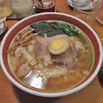 広州市場 - 広州雲呑麺(醤油)