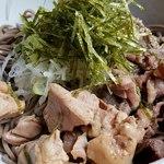 波留乃屋 - 牛と鶏のダブル肉そば中盛