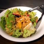 鉄板焼 広島お好み焼 ぶち - お通しサラダ