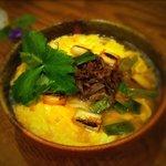 活麺富蔵 - 和牛煮肉卵とじ