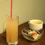 BREAD&DISHES MUGINOKI - 下ののりんごジュース