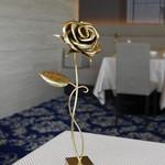 83755849 - 金の薔薇