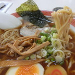 味佳 - 醤油ラーメン+餃子。620円+360円