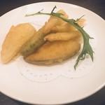 83757981 - 福幸ランチの揚げ物    白魚と野菜