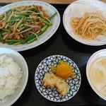 チャイナタウン - 料理写真:本日のランチ(ニンニクの茎炒め)